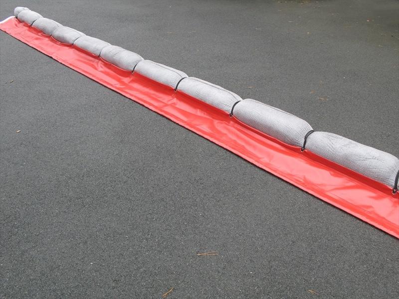 BARH6PVC-1 - Barrage antipollution absorbant avec jupe PVC & absorbants naturels